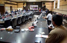 بررسی مسائل و مشکلات مرتبط با فعالیت معادن در کردآباد تفت