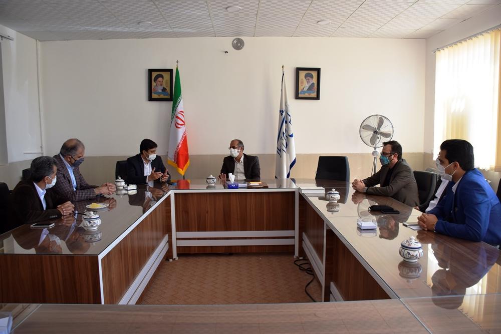 بررسی مشکلات مرتبط با حوزه گردشگری استان یزد