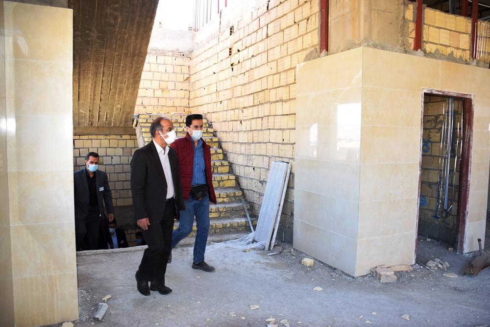 بازدید دکتر میرمحمدی از پروژه های در حال تکمیل بیمارستان میبد