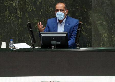 عیناللهی یک فرد میدانی و جهادی است/ دولت با وزیر بهداشت همراهی کند